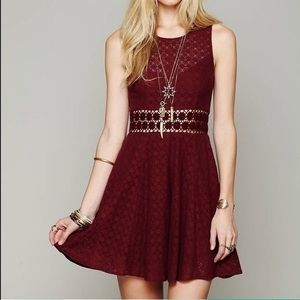 Free People Fitted w/ Daisies dress | red | sz2